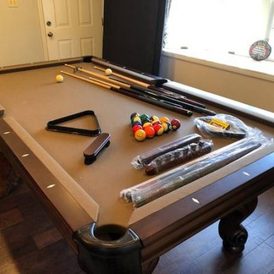 Pool Table/Ping Pong Table/Pub Table with Stools