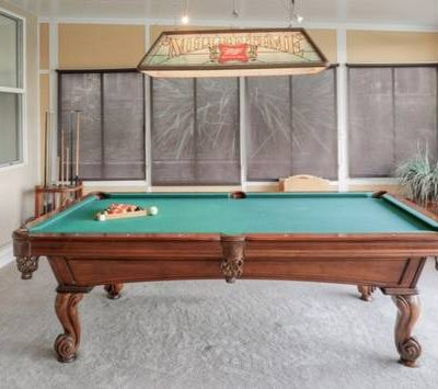Like New Olhausen Pool Table for Sale