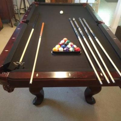 DLT 8 ft Pool Table