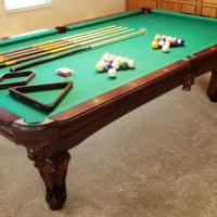9 ft Pool Table with Accessories